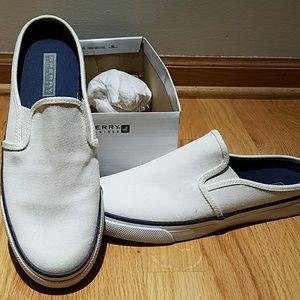 Slip on Sperry  shoes